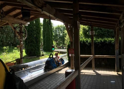 Bob Racing Station Innen