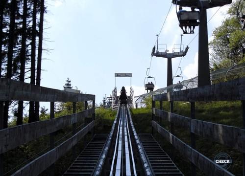 Lift (2010)