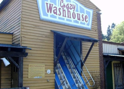 Crazy Washhouse