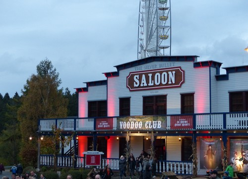 Saloon bei Abenddämmerung (2017)