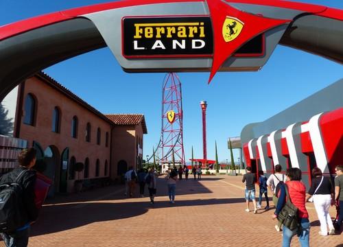 Eingangsbereich Ferrari Land