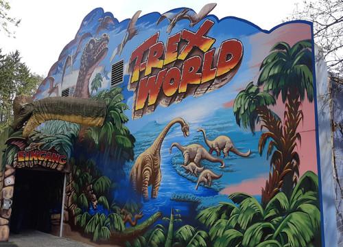 Eingang T-Rex World