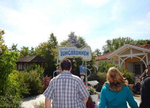 Badewannen-Fahrt zum Jungbrunnen Eingang (2010)