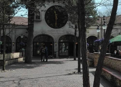 Station De Oost