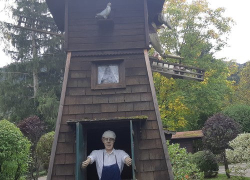 Müller und Windmühle