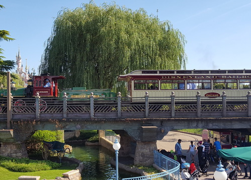 Disneyland Railroad  3