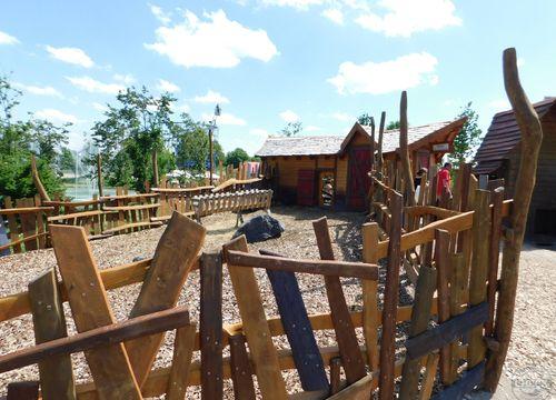 "Skyline Park - Kids Farm - ""Hotel"""