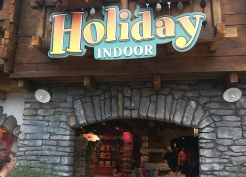 Shopping Holiday Indoor (2018)