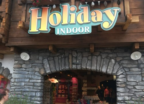 Shopping Holiday Indoor (2018)